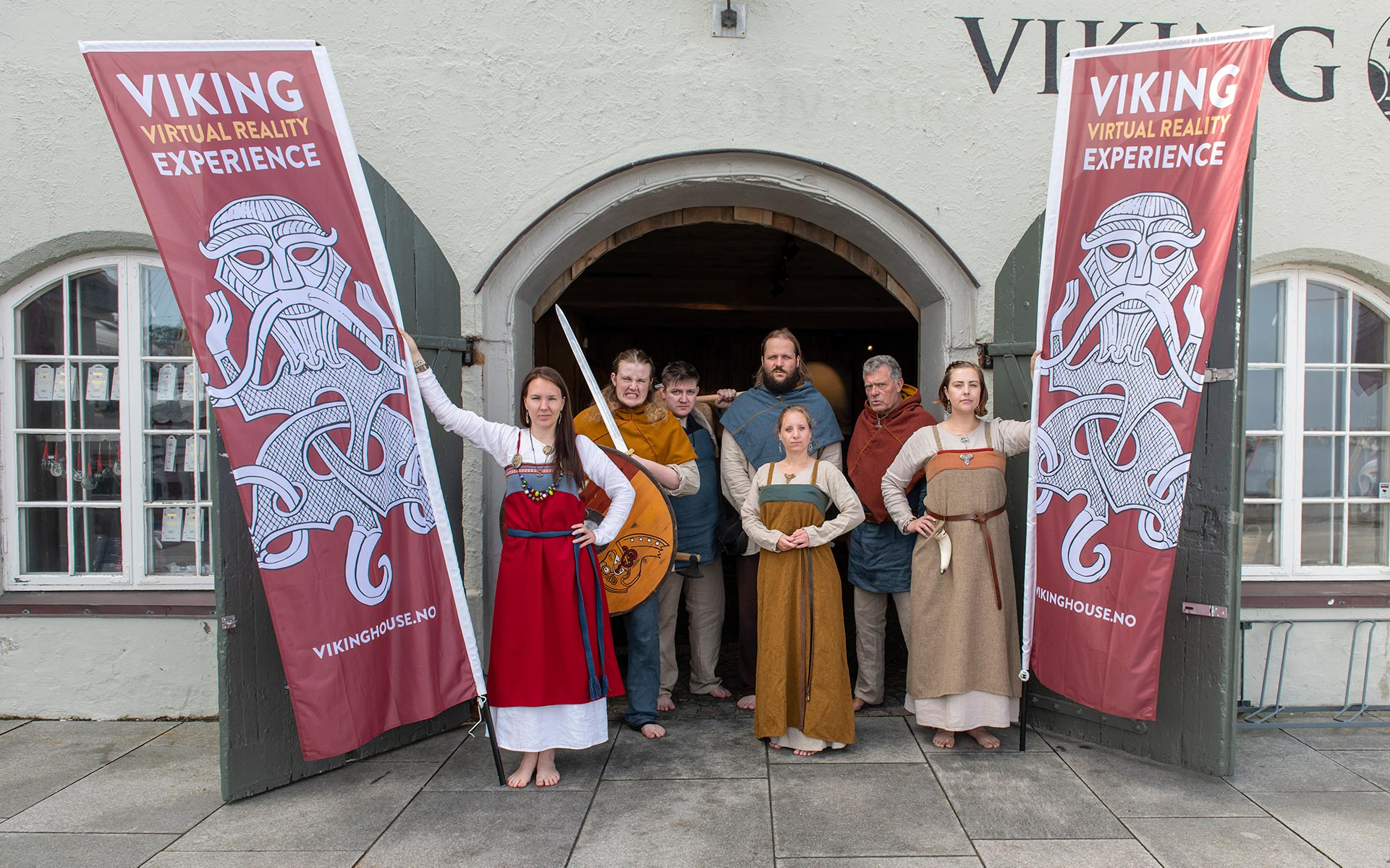 Vikinger utenfor Viking House i Stavanger